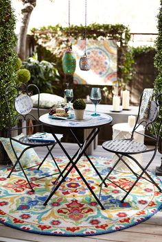 Charming bistro set on small space