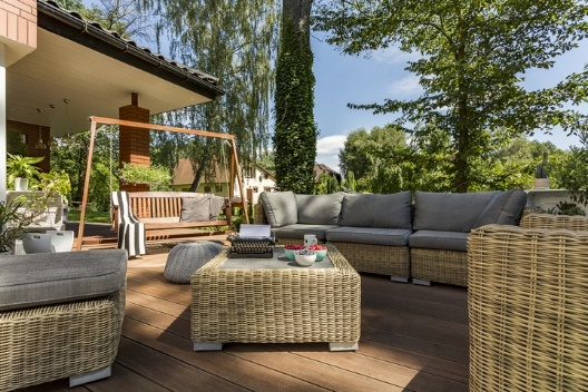 Find a link between outdoor furniture