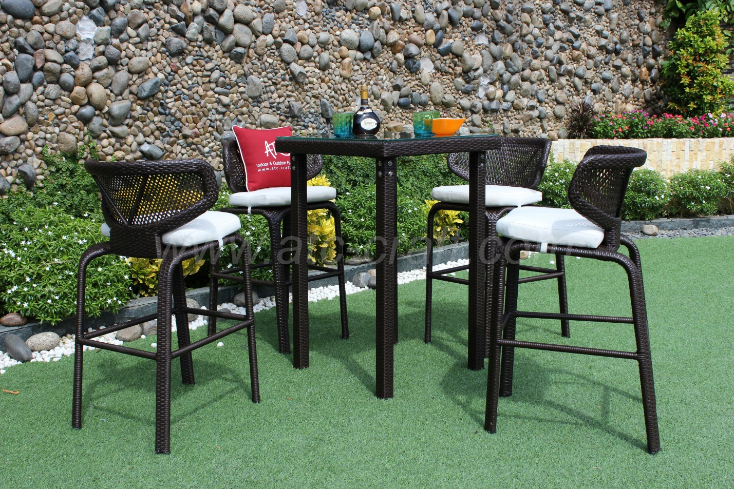 Price and quality are both crucial aspects of an outdoor furniture set