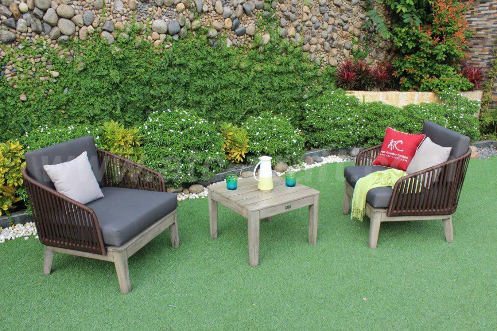 Choose an unsuitable sofa size